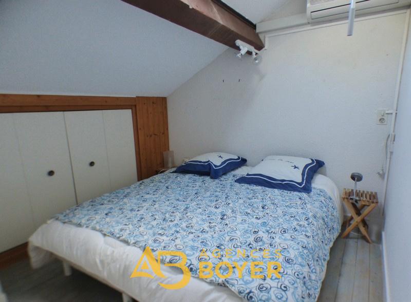 Chambre 1 avec placards